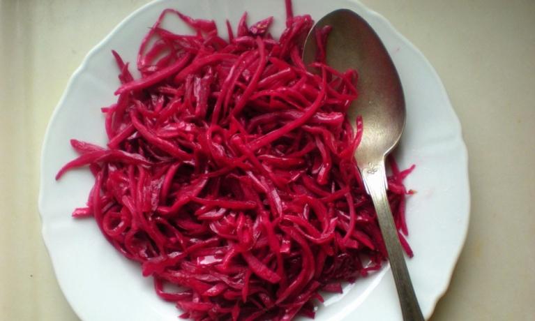 Kırmızı Lahana Salatası Nasıl Yapılır?