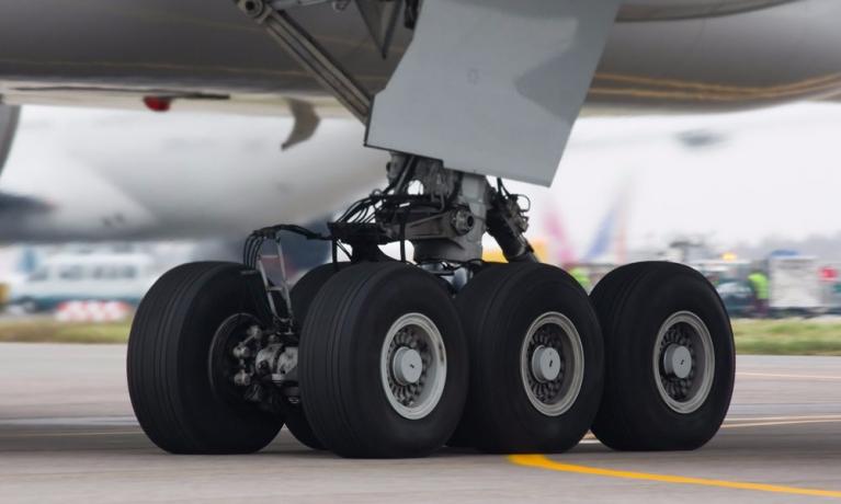 Uçak Lastikleri Neden Nitrojen İle Doldurulur?